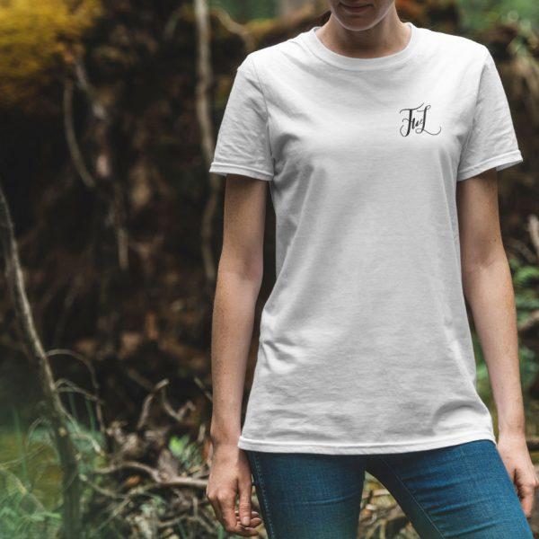 Белая женская футболка Маленький логотип FWL