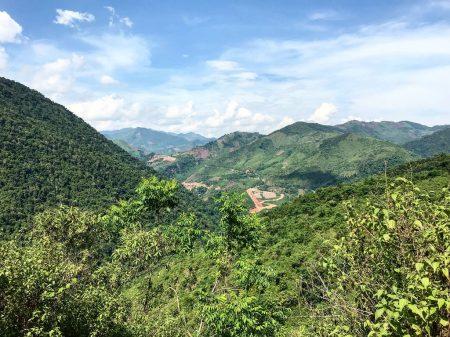 Из Вьетнама в Лаос на Мопеде
