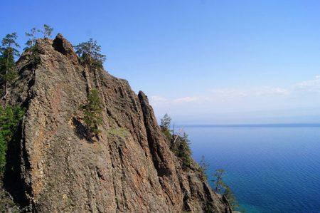 Скала на Байкале