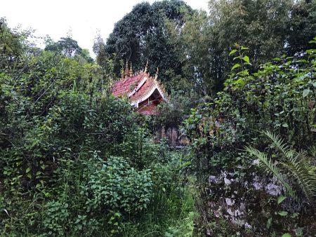 Заброшенный храм в Лаосе
