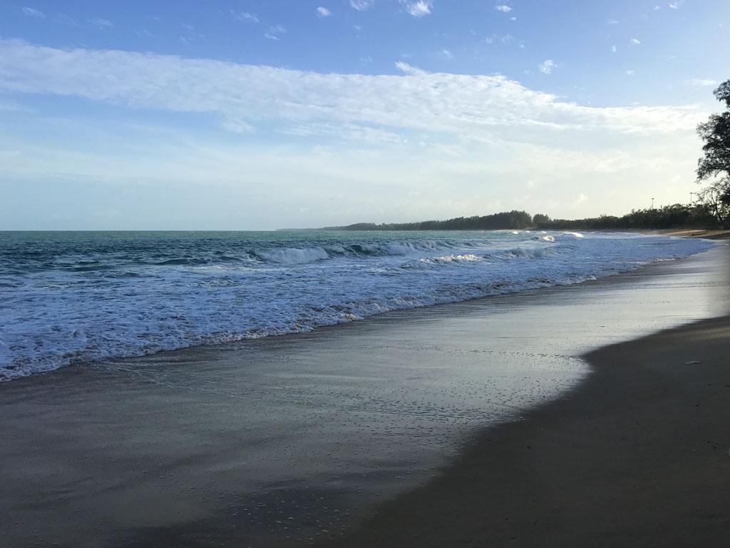 Пляж Наянг, Пхукет