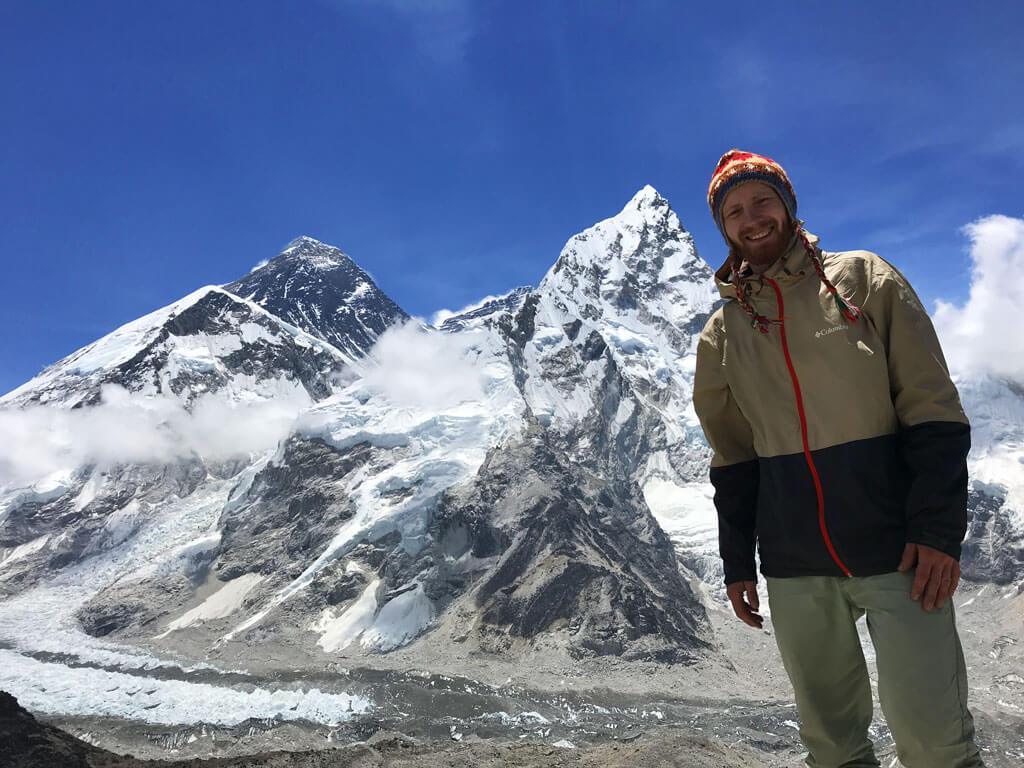 За спиной Эверест