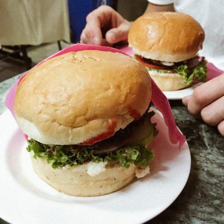 Блюда Непала. Бафбургеры
