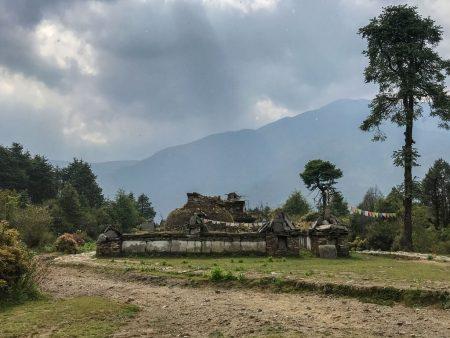 Трекинг в Непале. Старая ступа
